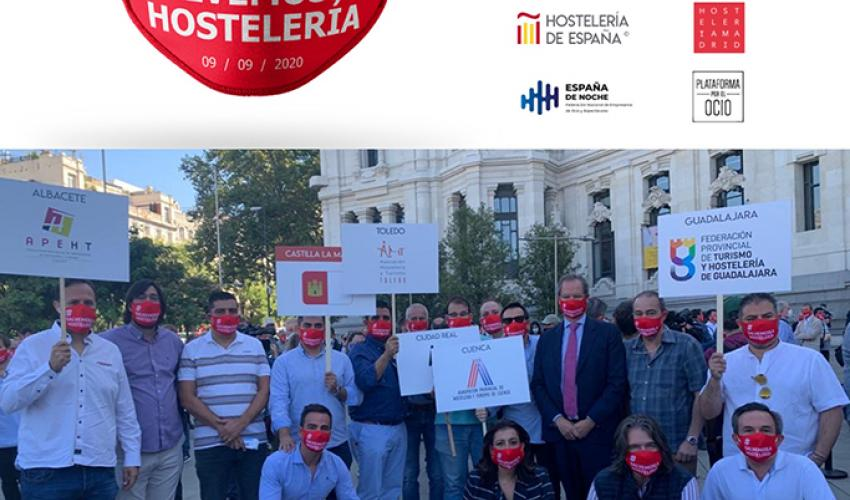 Representantes de la Federación provincial de Turismo y Hostelería de Guadalajara acuden a la concentración de Madrid para salvar el sector