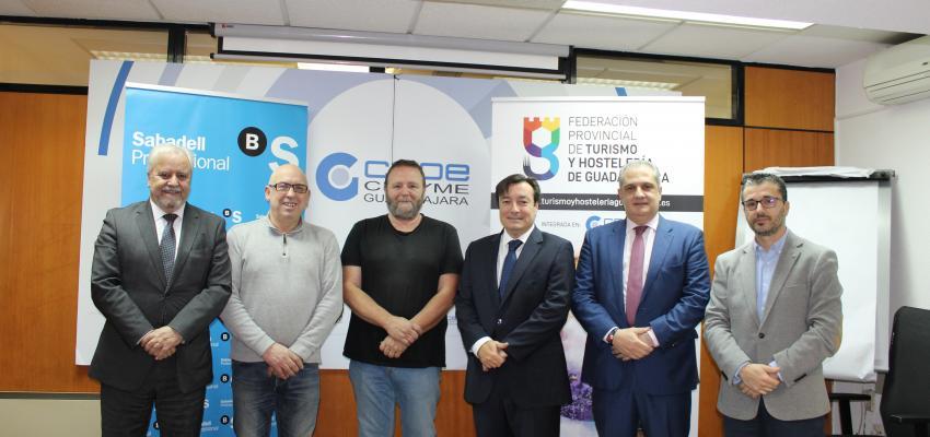 Las federaciones de Turismo y Comercio de CEOE-CEPYME Guadalajara y Banco Sabadell firman un convenio de colaboración