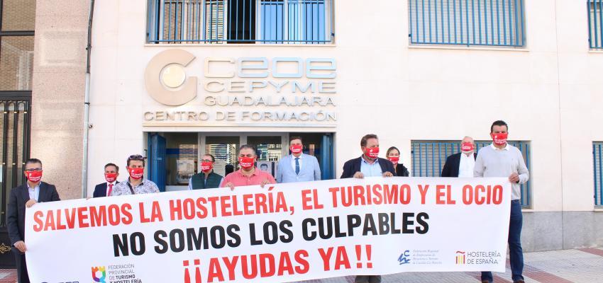 La Federación provincial de Turismo y Hostelería de Guadalajara se concentra para apoyar al sector del turismo, ocio y ocio nocturno de la provincia