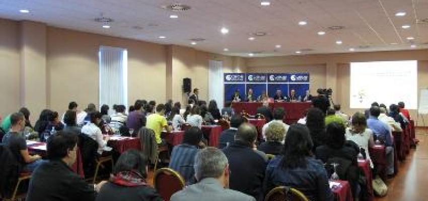 Más de 80 personas asisten a la jornada de comercio basada en cómo negociar con agentes comerciales