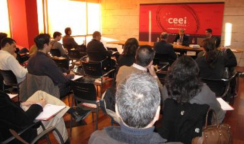 Más de 50 empresarios en el seminario sobre redes sociales celebrado en el CEEI de Guadalajara
