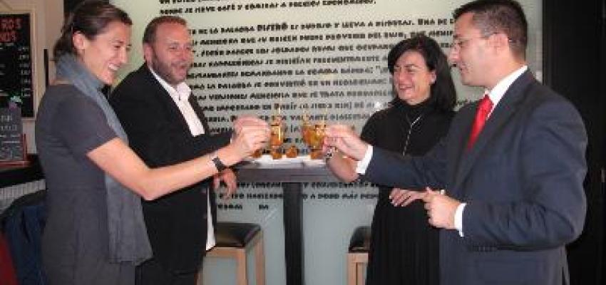 La concejala de Turismo y el presidente de la Federación de Turismo inauguran la IV Ruta de la Tapa