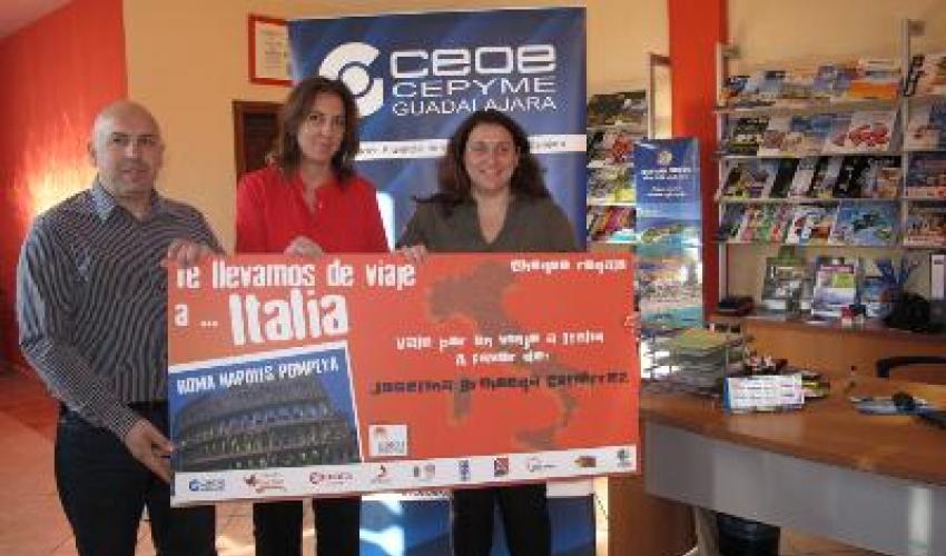 FEDECO entrega el premio a la ganadora del sorteo de su campaña de verano