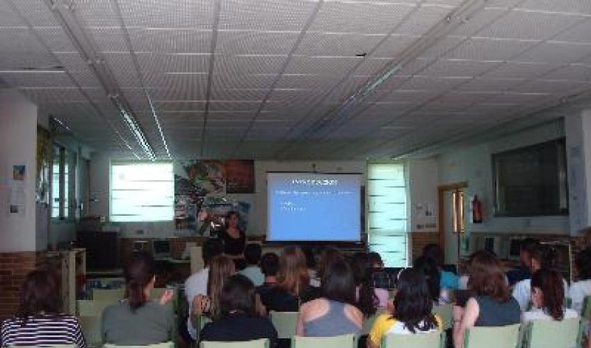 Los técnicos de CEOE continúan informando a los estudiantes de FP de como encontrar su primer empleo