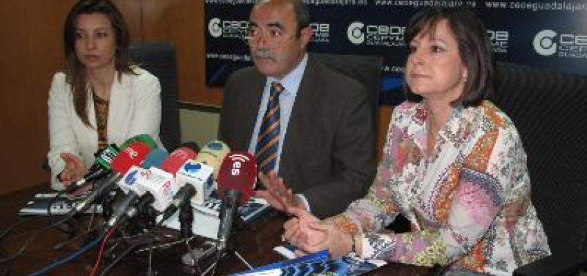 CEOE-CEPYME Guadalajara presenta la guía 2010 del proyecto 'de socio a socio'