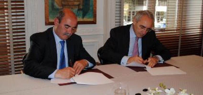 CEOE firma un convenio con el Instituto Internacional Cuatrecasas de Estrategial legal en RRHH