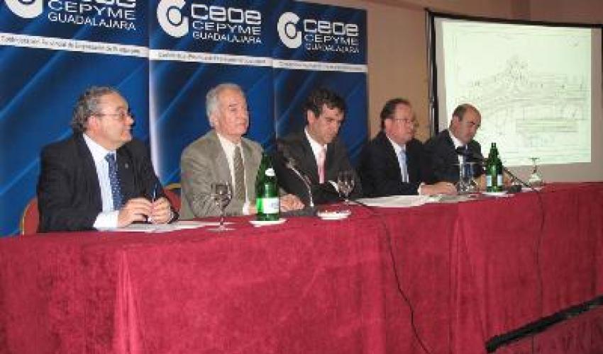 CEOE reúne a los empresarios de los polígonos de Cabanillas y el Balconcillo por el tema de la N-II