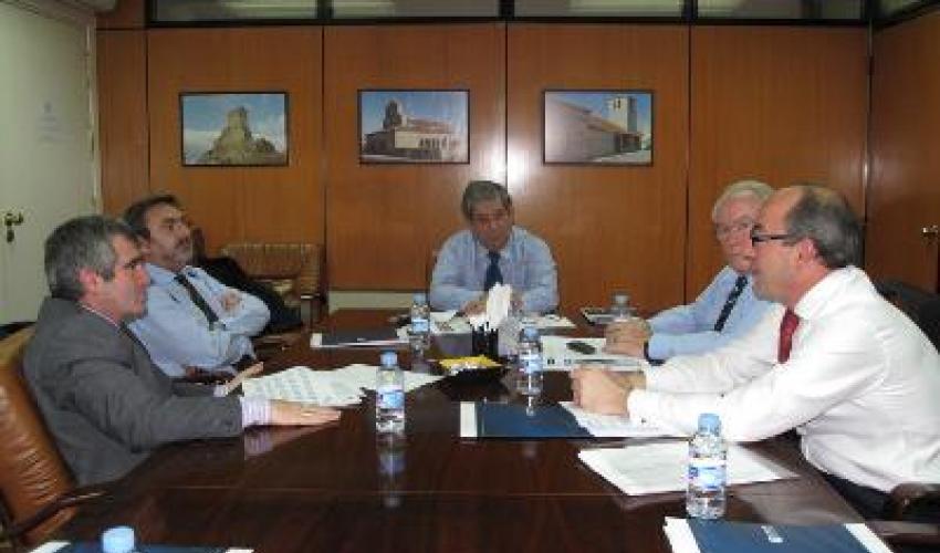 Las patronales del Corredor y Guadalajara reclaman la ejecución inmediata del tercer carril de la A2