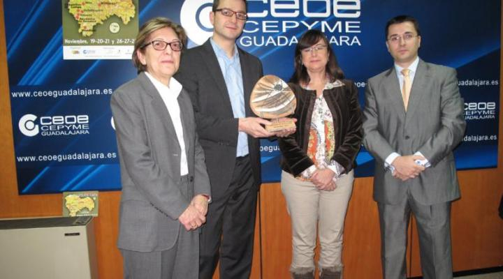 La Federación Provincial de Turismo de Guadalajara entrega el premio a la mejor tapa de la ruta de la tapa al bar-cafetería Atrio de Sigüenza