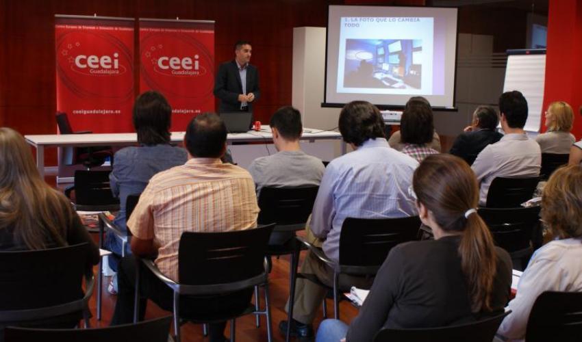 El CEEI de Guadalajara inicia el ciclo de talleres de otoño con análisis Web