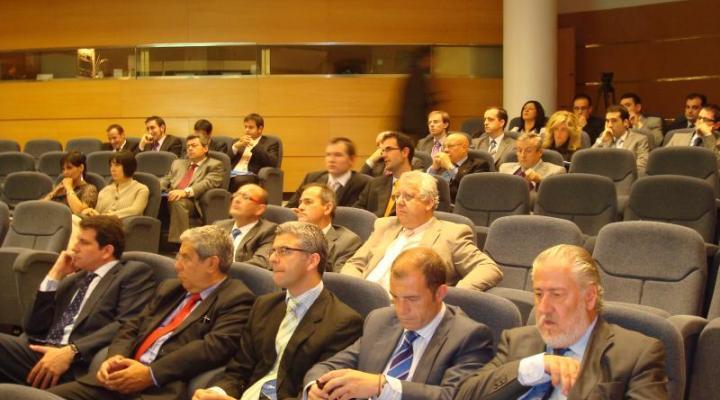 Nicolás reclama un clima de confianza para conseguir la financiación tan necesaria para las empresas