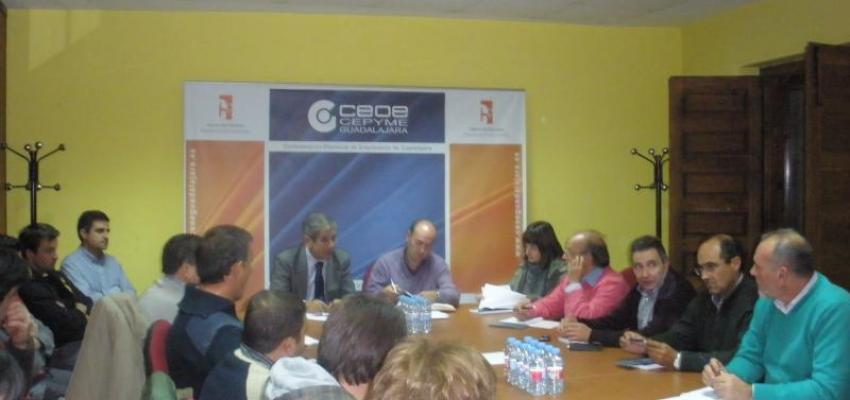 Empresarios de Sigüenza de CEOE-CEPYME Guadalajara se reúnen con el alcalde de la localidad