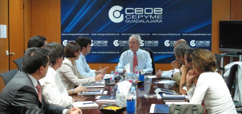 Miembros de la junta directiva de CEOE-CEPYME  Guadalajara se reúnen con el alcalde de Cabanillas