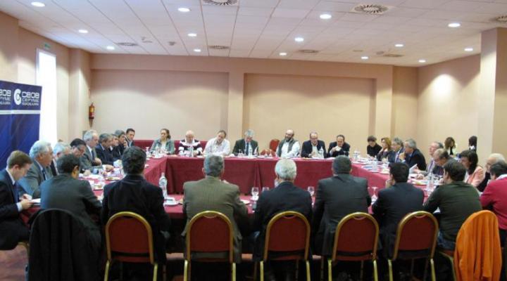 La junta directiva y el comité asesor de CEOE-CEPYME Guadalajara se reúne con los candidatos del partido popular de Guadalajara
