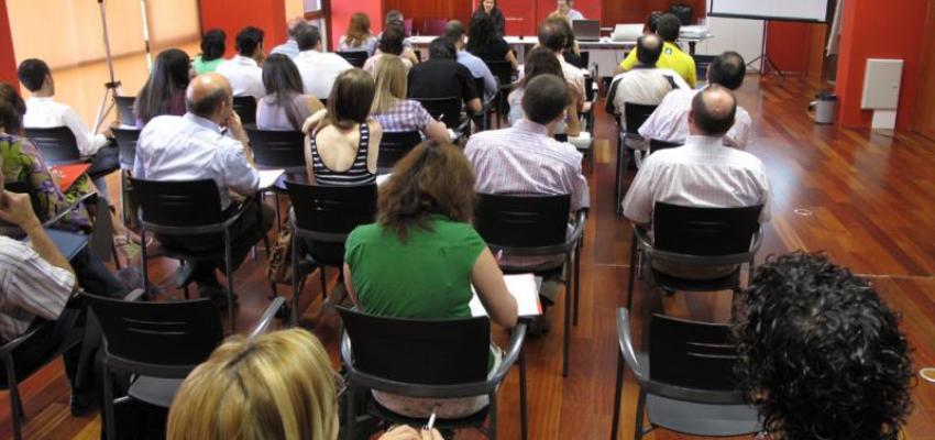 Jornada en CEEI de Guadalajara para emprendedores sobre como mejorar las ventas