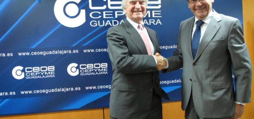 CEOE-CEPYME Guadalajara firma un convenio de colaboración con la obra social de Cajasol