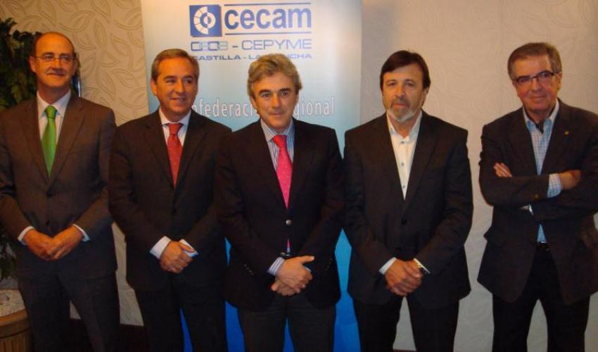 El comité ejecutivo de CECAM traslada las preocupaciones del sector empresarial al consejero de empleo