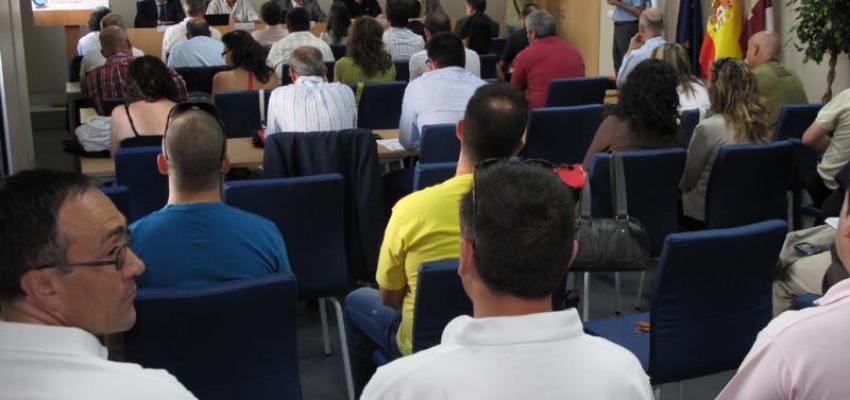 La Asociación de Transportes organiza una jornada de formación en su nueva sede