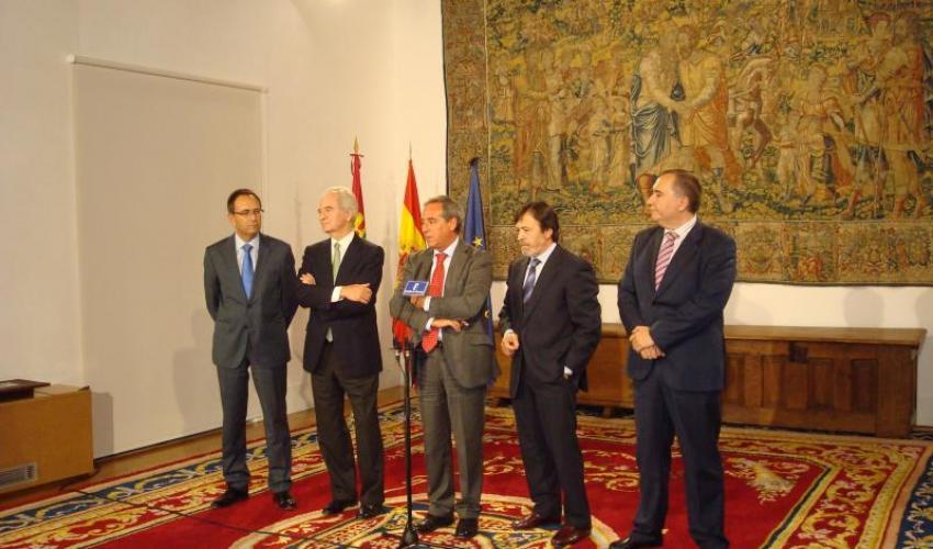 CECAM se reúne con la presidenta de la junta de comunidades de Castilla-La Mancha