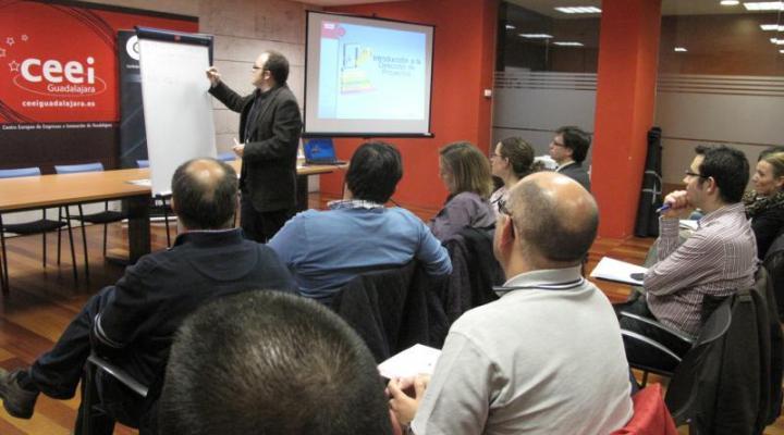La dirección de proyectos, segundo seminario del ciclo Iniciat-e