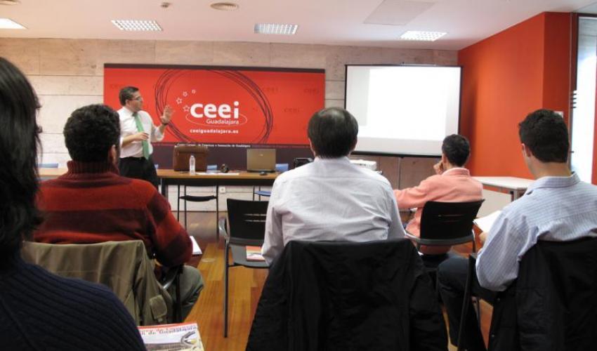 Los instrumentos financieros de cobro centran la 5º cápsula de conocimiento del CEEI de Guadalajara