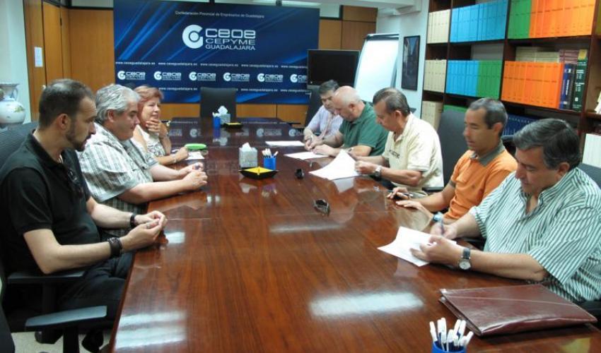 Firmado el convenio colectivo del sector del comercio para el 2011 y 2012