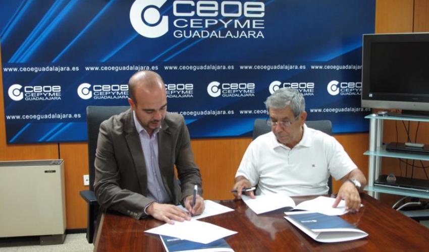CEOE-CEPYME Guadalajara y la Asociación de la Prensa firman un convenio de colaboración