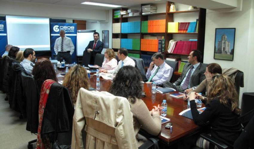 El tercer desayuno de trabajo de CEOE-CEPYME Guadalajara con los directores de recursos humanos se centra en la negociación colectiva