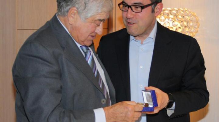CONFEMADERA rinde homenaje a su presidente honorífico, Pedro García Moya