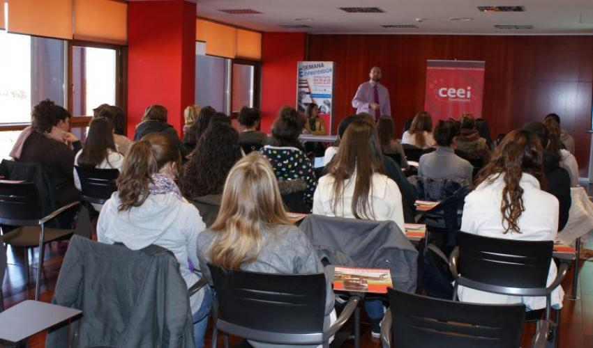 El CEEI de Guadalajara celebra su segundo taller de 2012 para emprendedores con el IES San Isidro de Azuqueca de Henares