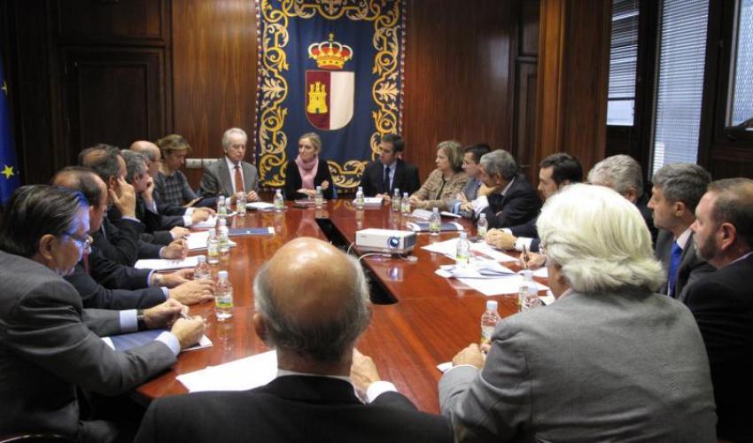 Miembros de la Junta Directiva y el Comité Asesor de CEOE-CEPYME Guadalajara se reúnen con la consejera de Economía, Carmen Casero