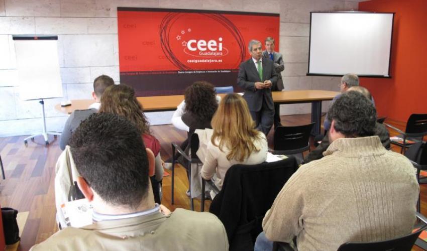 Las cápsulas de conocimiento del CEEI de Guadalajara enseñan a elegir la forma jurídica más adecuada para cada tipo de proyecto