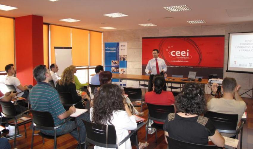 Las cápsulas de conocimiento del CEEI de Guadalajara entran en su recta final con la dirección de los recursos humanos