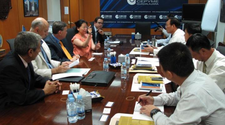 CEOE-CEPYME Guadalajara explica a una delegación china de Cantón la mejor manera de resolver los conflictos laborales