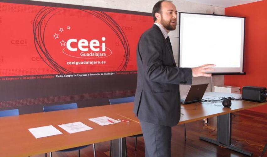 La 6ª cápsula de conocimiento del CEEI de Guadalajara enseña a los emprendedores a como poner en marcha su empresa a través de un PAIT