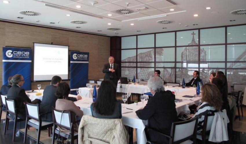 CEOE-CEPYME Guadalajara celebra un nuevo desayuno de trabajo con directores de recursos humanos para analizar la reforma laboral y las relaciones sindicales