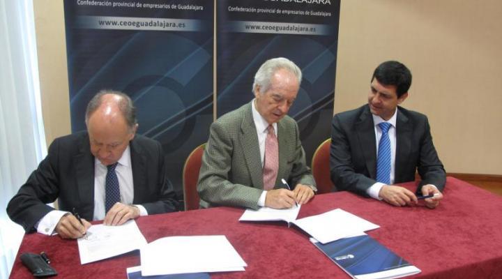 CEOE-CEPYME Guadalajara firma un convenio de colaboración con Ruiz-Ayucar