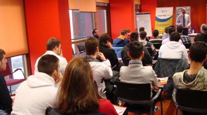 Los alumnos de FP del IES de Aguas Vivas aprenden como ser empresarios
