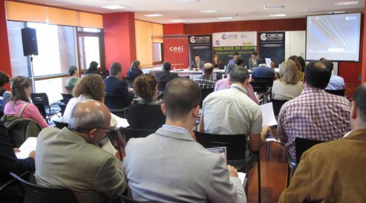 """El medio ambiente centra la primera jornada del tercer ciclo de conferencias """"Europa, conjunto de oportunidades para España"""""""