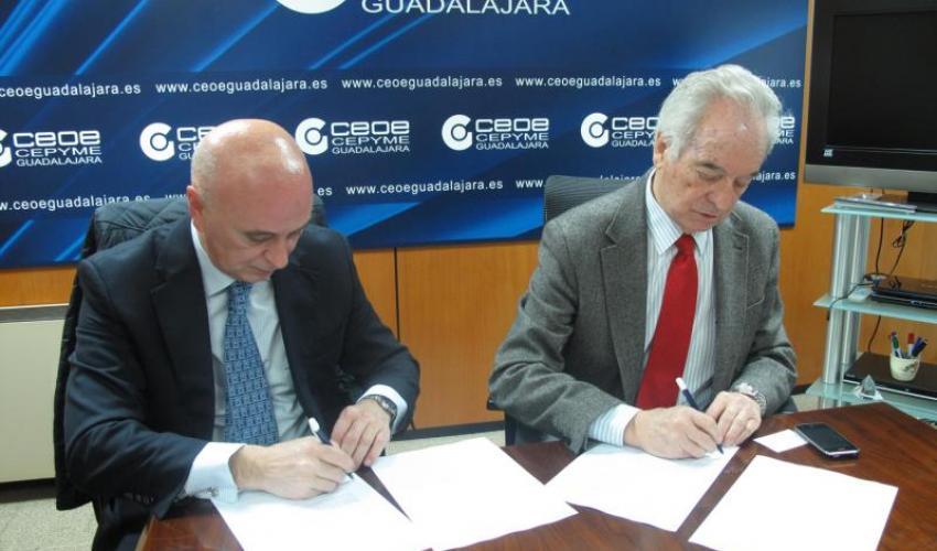 CEOE-CEPYME Guadalajara y CaixaBank firman un convenio para impulsar acciones encaminadas a la mejora de la competitividad de las empresas de Guadalajara