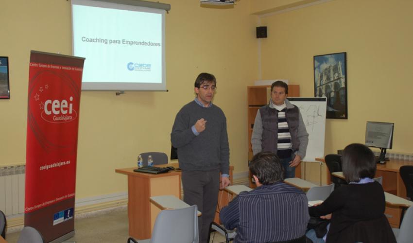 Una nueva jornada de coaching motiva a los emprendedores de Yunquera