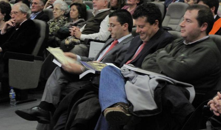 La Facultad de Ciencias Económicas, Empresariales y Turismo de la UAH entrega una distinción a CEOE-CEPYME Guadalajara por su colaboración en las prácticas para estudiantes