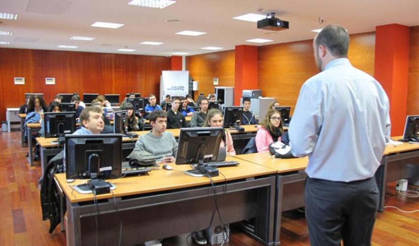 Los alumnos del IES Aguas Vivas realizan un nuevo taller formativo en el CEEI de Guadalajara