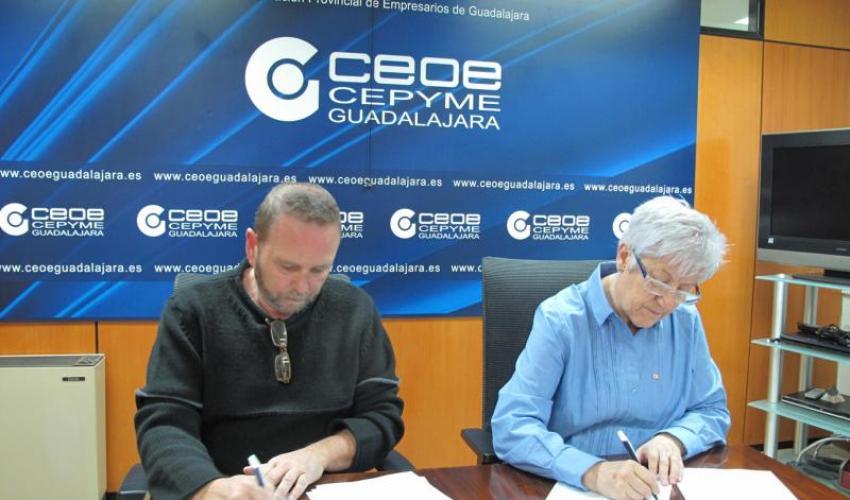 La Federación provincial de Turismo y Cruz Roja firman un convenio de colaboración