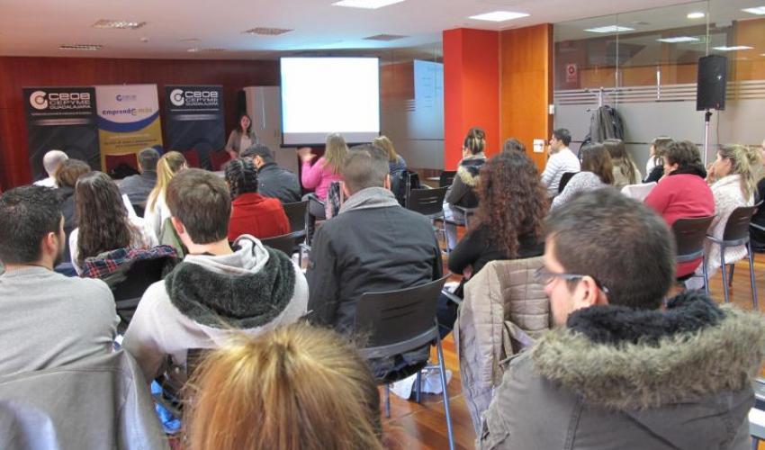 El programa Emprende+más de CECAM enseña a los estudiantes de Alovera como ser empresarios