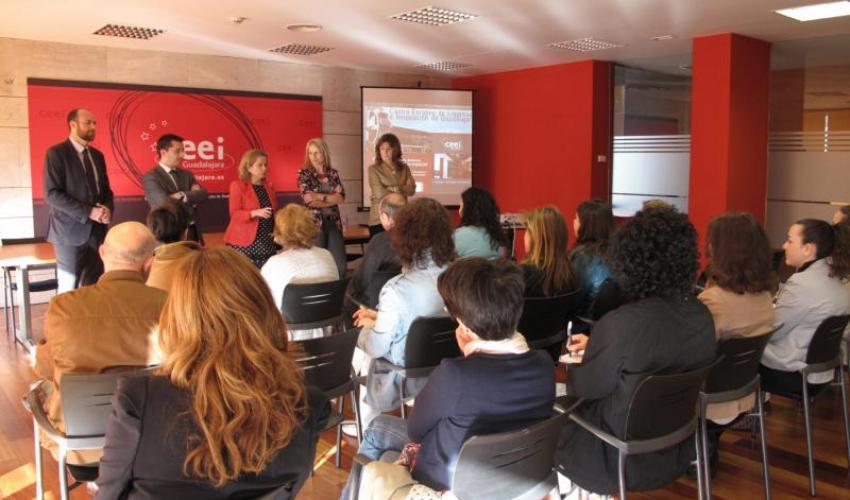 Técnicos de la Junta de Comunidades de Castilla-La Mancha visitan el CEEI de Guadalajara