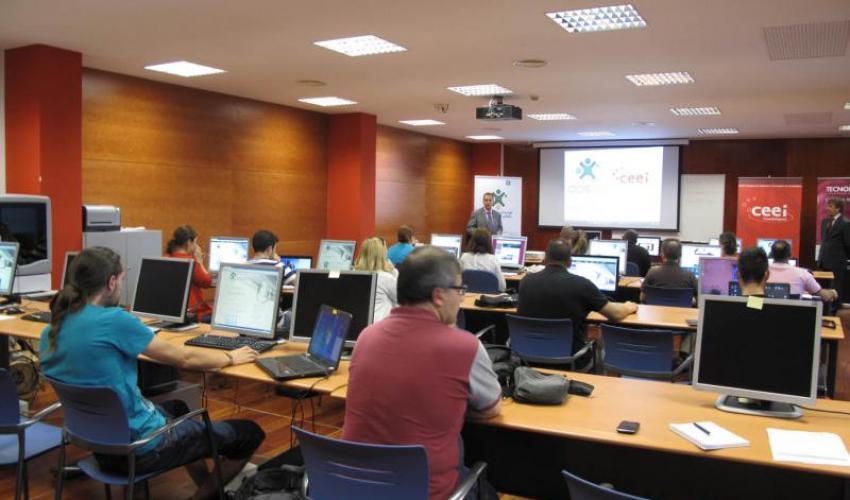Gran éxito de participación en el taller de negocio online: Creación y legalidad