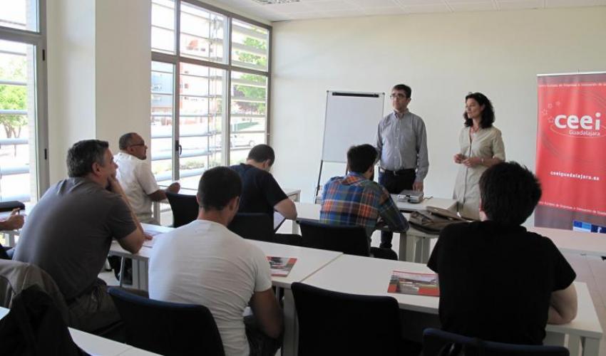 Los emprendedores de Guadalajara aprenden las últimas técnicas de coaching para perder el miedo a emprender