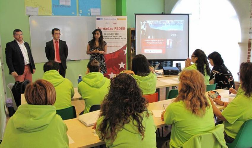 Los emprendedores de Villanueva de la Torre se informan de las posibilidades que ofrecen los fondos FEDER
