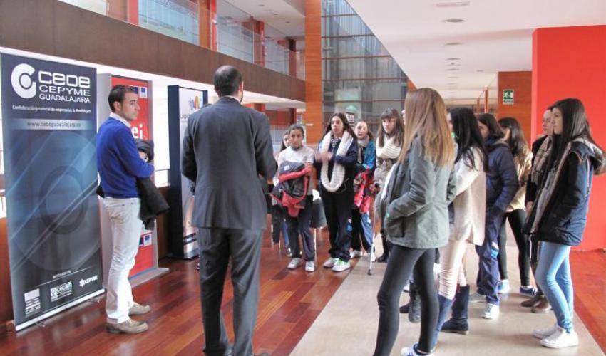 46 estudiantes aprenden emprendidurismo en el CEEI de Guadalajara